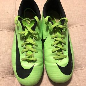 Boy's soccer cleats